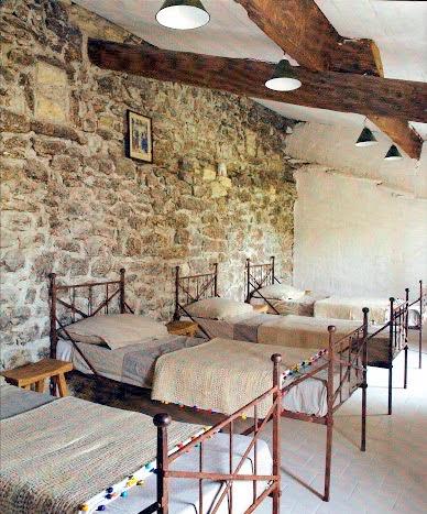 Boiserie c 15 meravigliose camere da letto con la pietra - Pareti per camere da letto ...