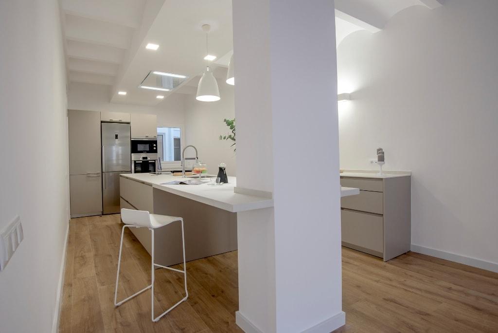 Una isla multifunci n como centro de acci n en la cocina cocinas con estilo - Grado medio cocina y gastronomia ...