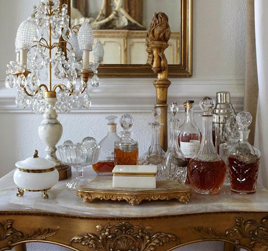 Shabby chic interior design inspiration by Annie Smith - found on Hello Lovely Studio