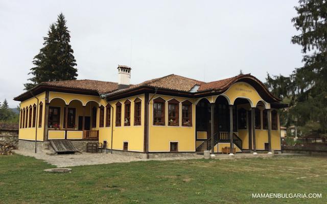 Escuela Koprivshtitsa, Bulgaria