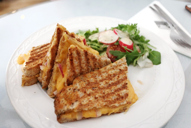 Close up photo of Scottish mature cheddar with red onion sandwich from willow tea rooms