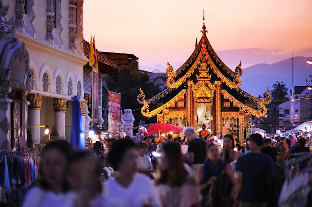 【泰國】初遊清邁必去景點,週六夜市、帕邢寺、夜間動物園,契迪隆寺! 4