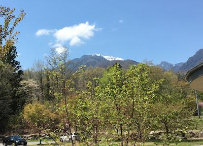 尾白の湯から見える甲斐駒ケ岳?