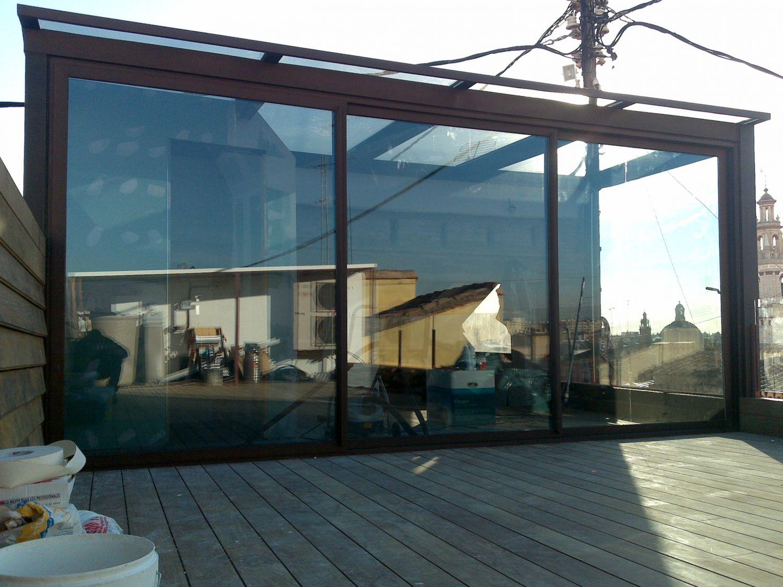 Cerramiento de un porche cerramientos barcelona web en - Porches de aluminio y cristal ...