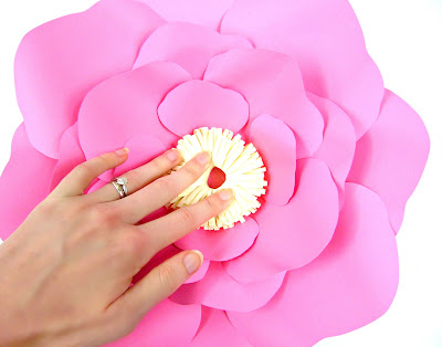 Paper Flower Centers 5 Ways To Make Centers For Giant Flowers