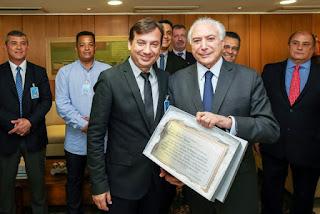 Prefeito Renato Soares homenageia o Presidente Michel Temer