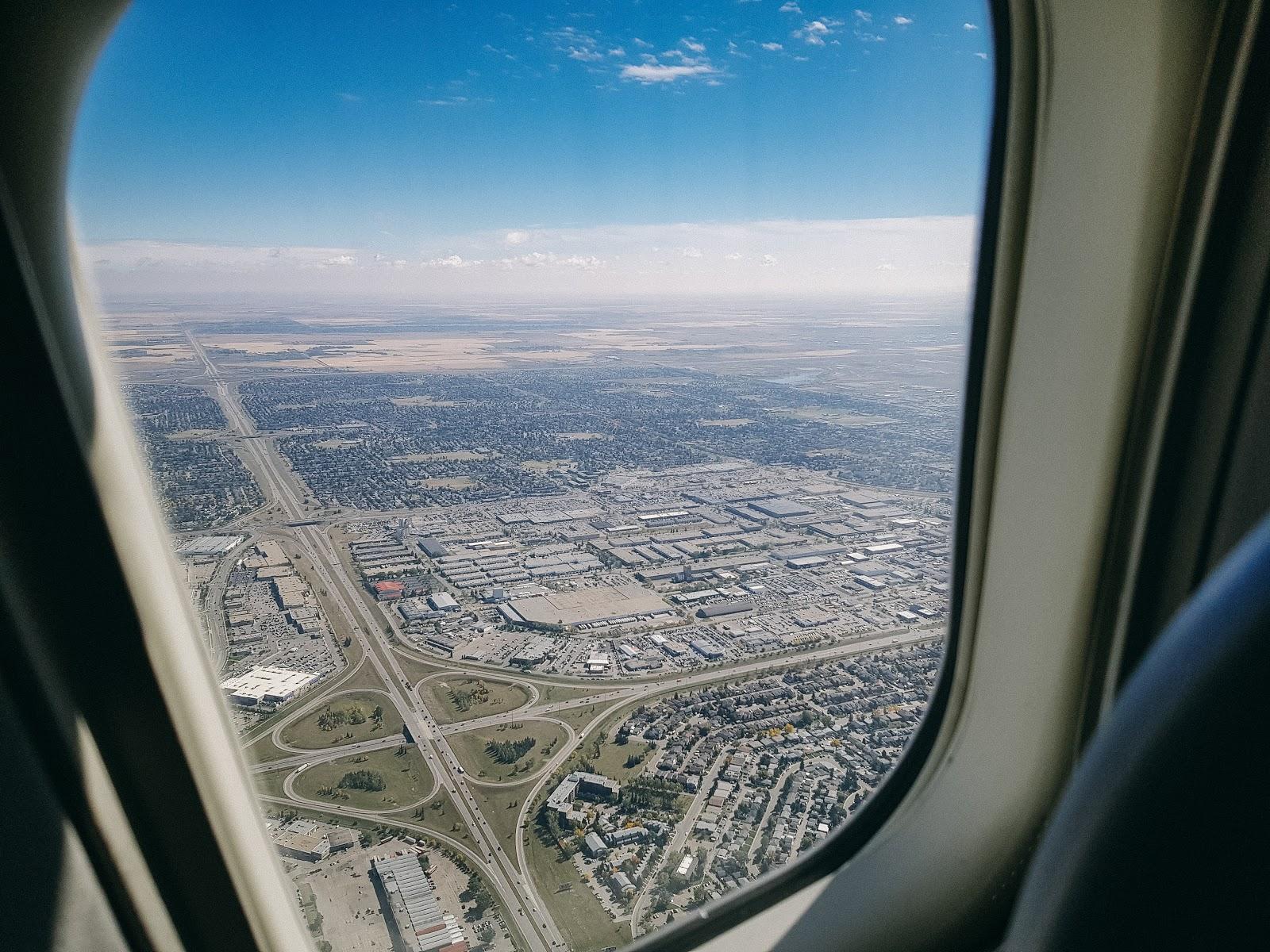 飛行|加拿大航空 767-300 商務艙 AC10 卡加利→多倫多 YYC-YYZ
