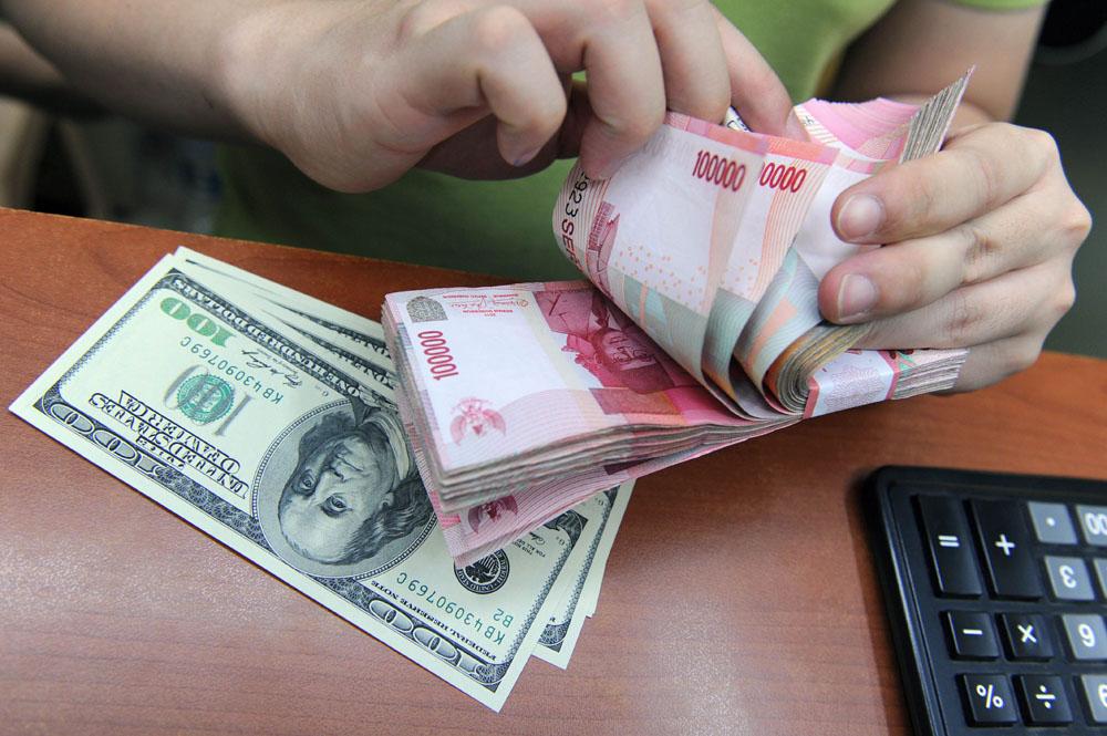 Nilai Tukar Rupiah Menurun 8 Poin Terhadap USD Menjadi Rp13.263