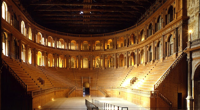 Visita ao Teatro Farnese em Parma