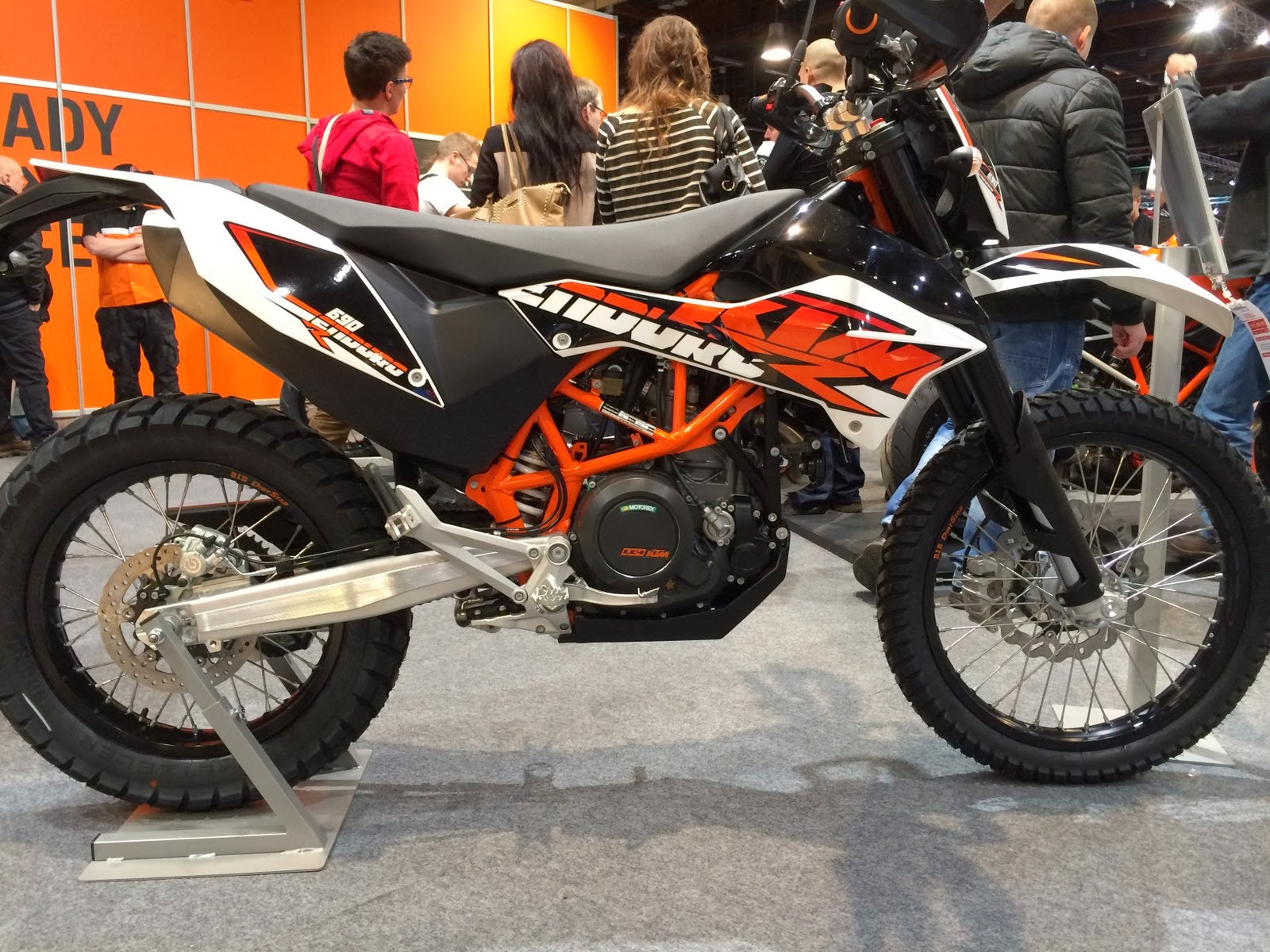 project ktm 690 enduro r: the motorcycle show