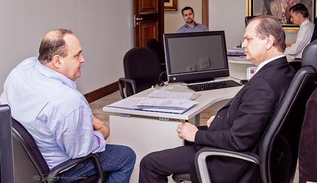 Maurílio Viana cumpre agenda com deputado Ricardo Barros