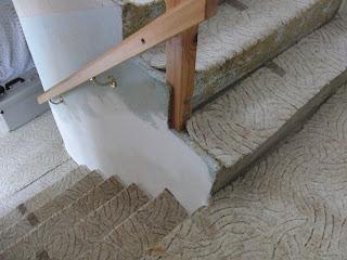 Treppenwange bündig vor der Renovierung