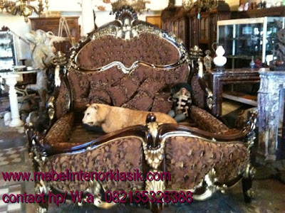 mebel ukir jepara,tempat tidur ukir jepara jati klasik cat duco french style italian furniture.code 90056