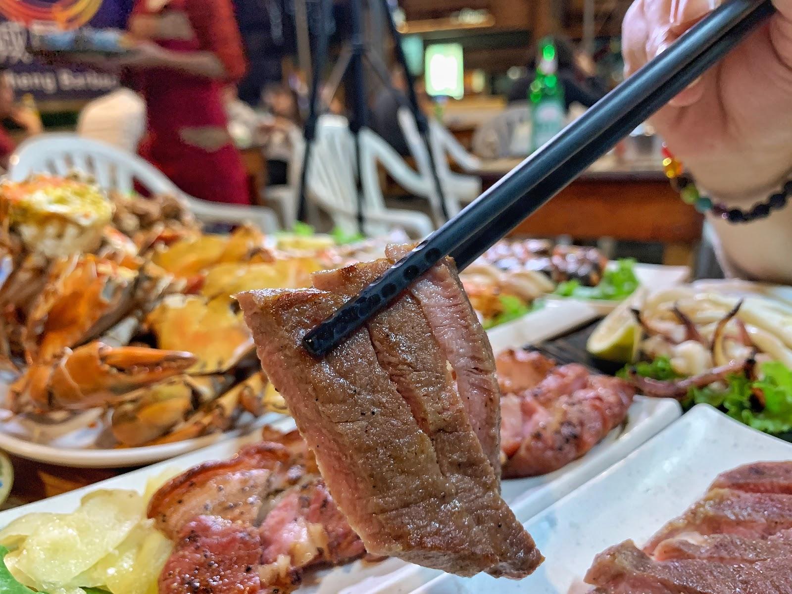 台南東區美食【府城騷烤家】碳烤牛小排