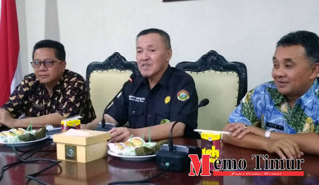 Pelaksana Tugas (Plt) Bupati dr. Buntaran Suprianto, M.Kes.