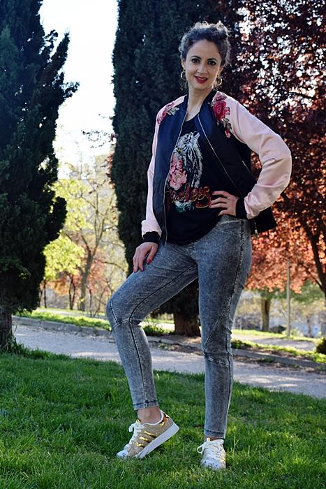 Outfit-cazadora-bicolor-parches-5