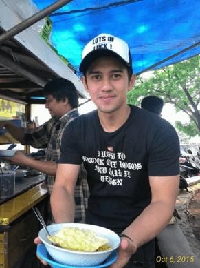 7 pria pekerja keras yang jadi viral karena ketampanannya satu lagi pria tampan indonesia yang menjadi viral karena kerja kerasnya ia adalah panji akbar nugraha seorang penjual cwie mie di bandung thecheapjerseys Gallery