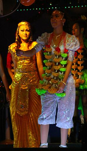 oriental show girls in full gear