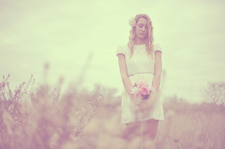 http://www.sweetcandyphotographie.com/2012/11/dreamy.html