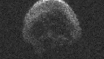 Seram, Asteroid Halloween Berbentuk Tengkorak Manusia