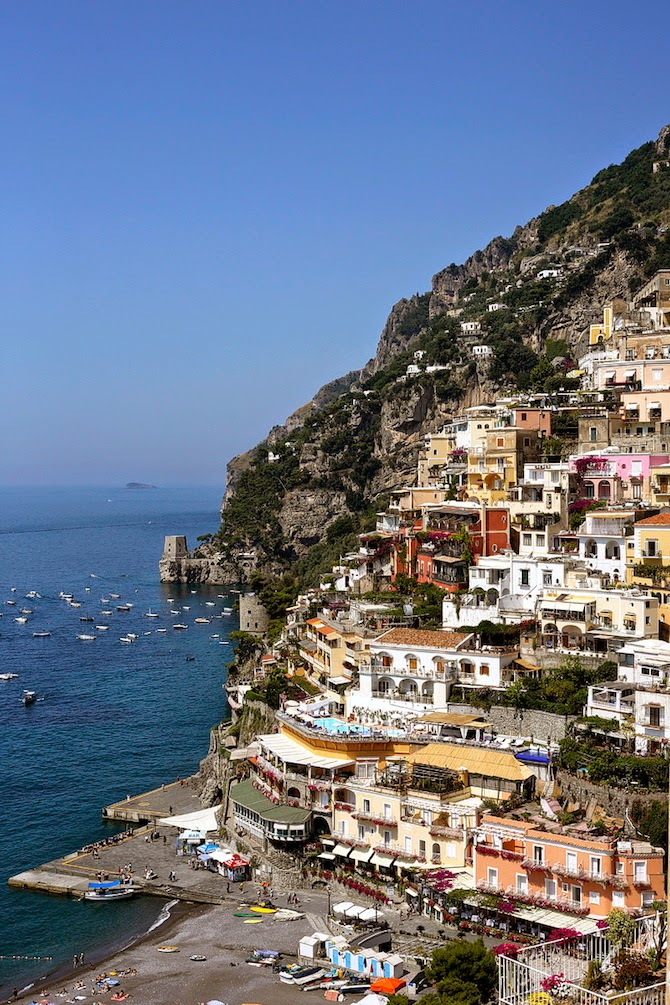 Travel guide to the Amalfi Coast, discover the best things to do in the Amalfi Coast. Here is the best travel guide to the Amalfi Coast with useful tips and tricks on must see places.