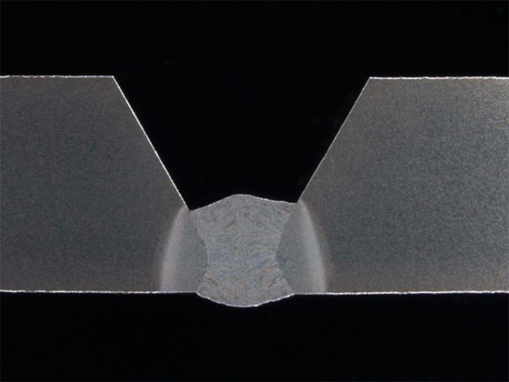 Корень сварочного шва выполненный с применением технологии WiseRoot