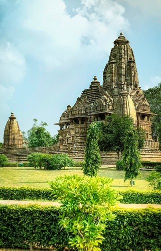 10 Best Backpacking Destinations in India | Khajuraho Temple