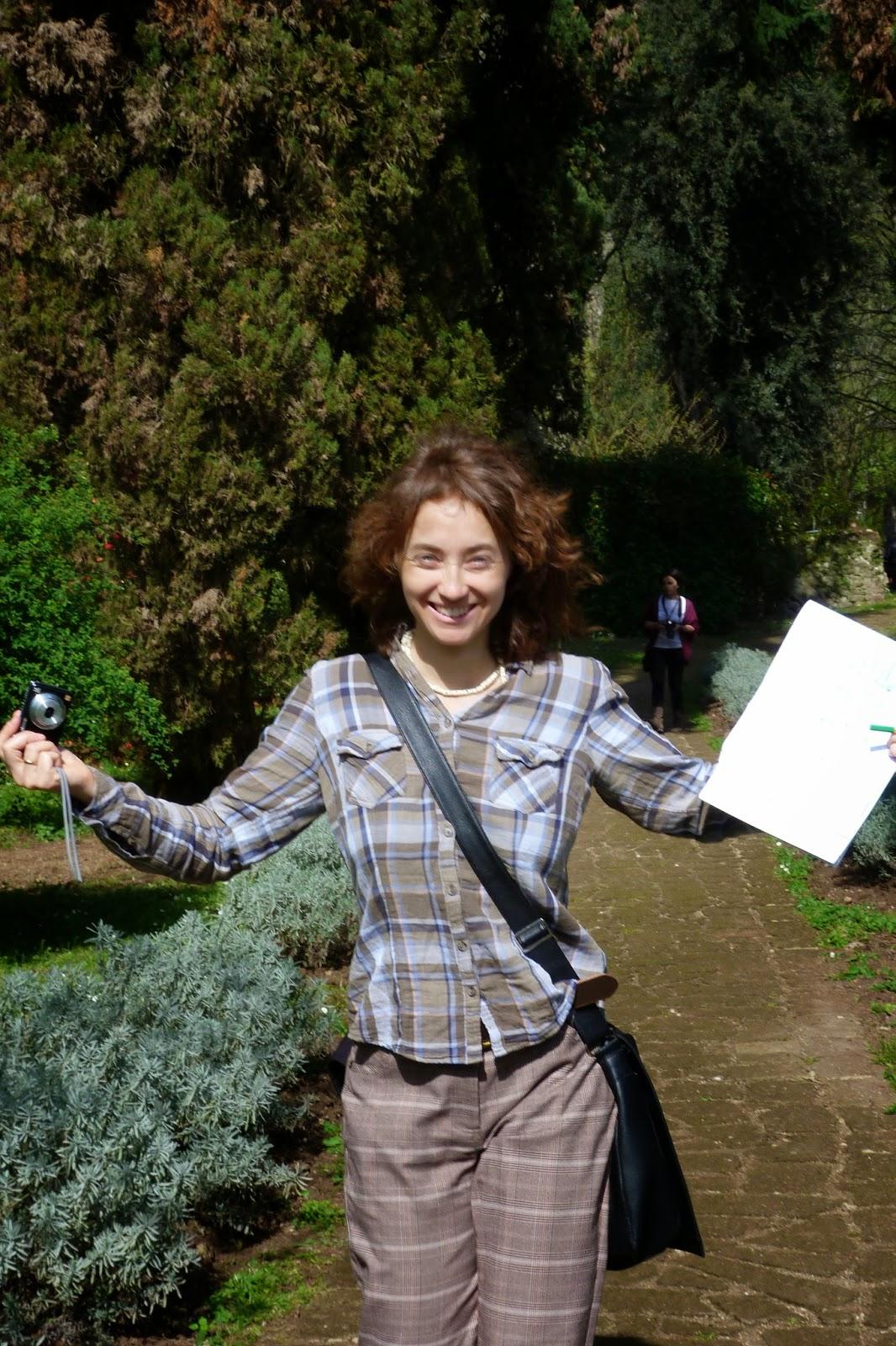 Eu, feliz da vida no Jardim de Ninfa