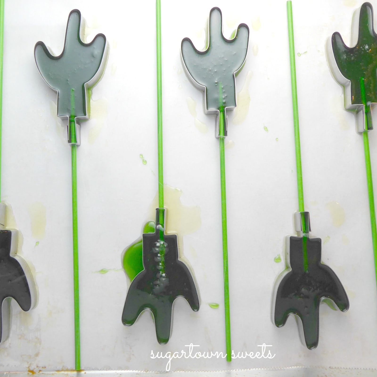 Sugartown Sweets: Cactus Lollipops