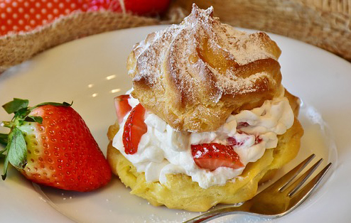 Calories In Angel Food Cake With Strawberries And Whipped Cream
