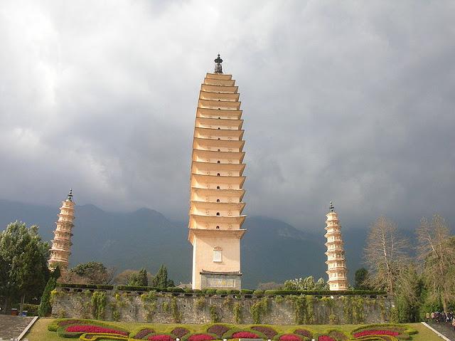 The Three Pagodas of Chong Sheng Temple, Yunnan province, China, 9th century AD.