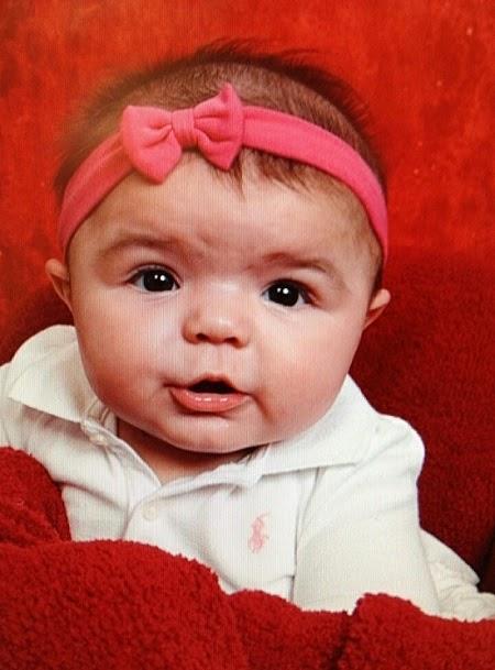 Photo bébé fille virtuel