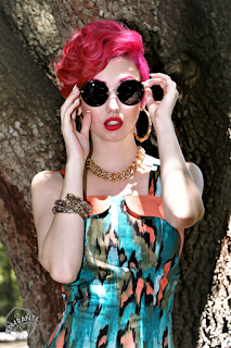 https://www.lady-k-loves.com/product/classic-sunglasses-2/?attribute_style=Classic%20Sunglasses