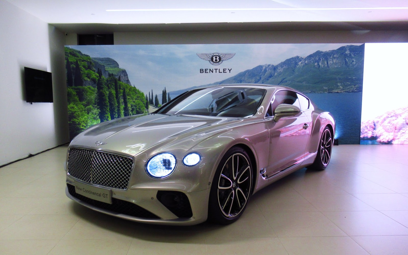 Motoring Malaysia: Bentley Kuala Lumpur Previews The All New Third  Generation Bentley Continental GT For The First Time In Malaysia