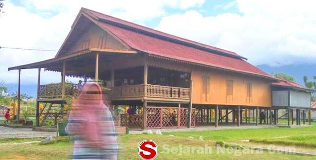 Foto Rumah adat Palu, Souraja sulawesi tengah