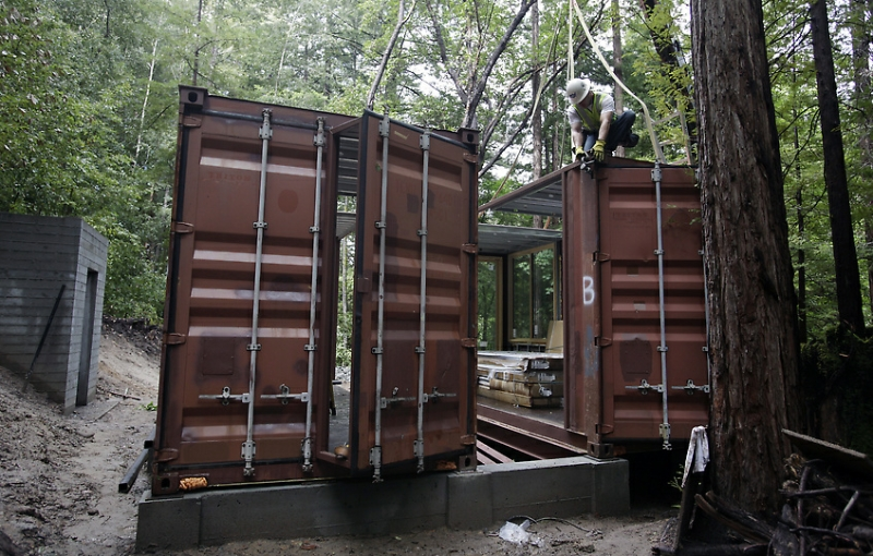 shipping container homes modulus six oaks santa cruz shipping container home. Black Bedroom Furniture Sets. Home Design Ideas