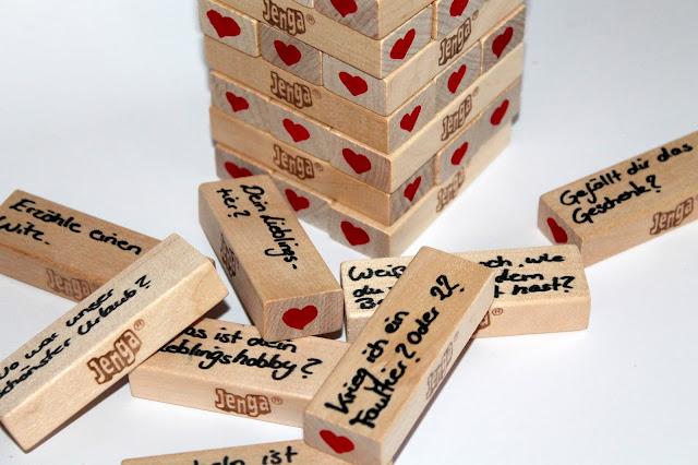 DIY, Basteln: Liebes Jenga in Liebesgeschenk und Geschenkideen - DIYCarinchen