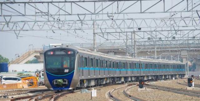 Pantau Proyek, Jokowi Jajal MRT dari Stasiun Bundaran HI Menuju Lebak Bulus