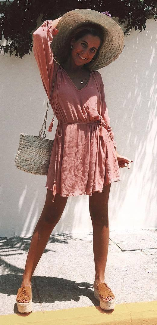 perfect summer outfit: hat + dress + bag