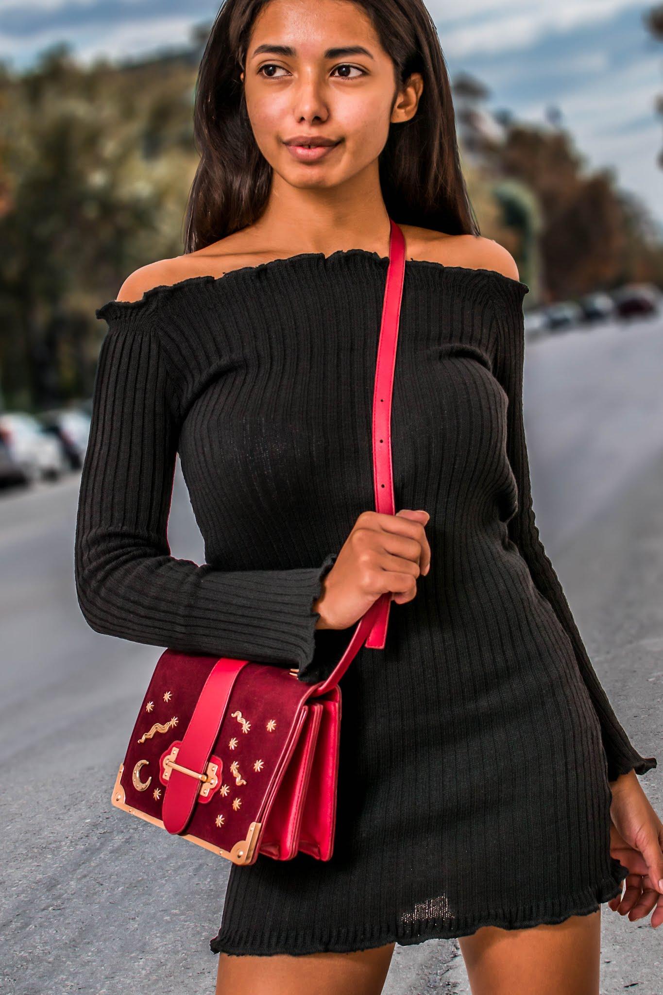 black knitte dress