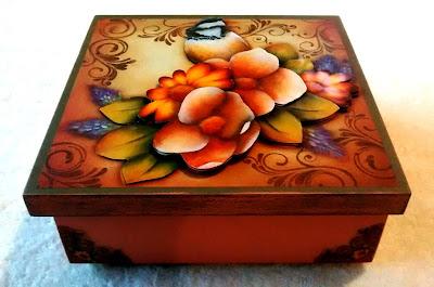 caixa em mdf decorada