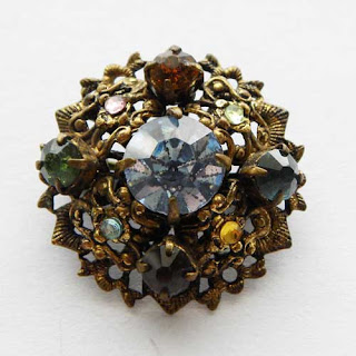 small dome 1930s brooch pin