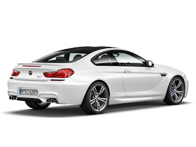 2016 BMW M6 Coupe side view