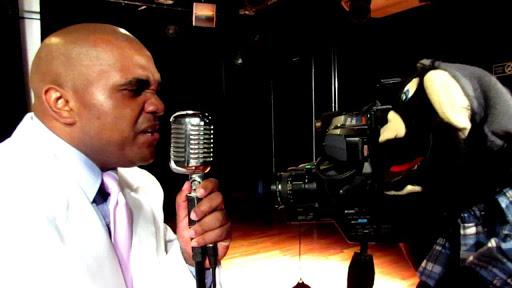 """R. Jay lança o clipe """"É o Rap"""" part. Turma do Todinho"""