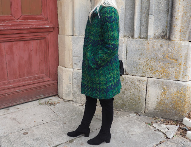 Ceci est un look réalisé par Clowy avec un manteau vert Desigual