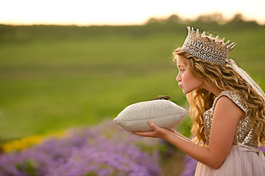 diy paso a paso manualidad corona de encajes para niños y niñas princesas y principes cumpleaños sesión de fotos juegos