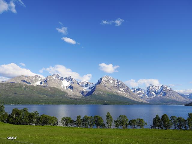 Lulledalen, el Valle de la Calma y al fondo los Lyngen Alps por El Guisante Verde Project