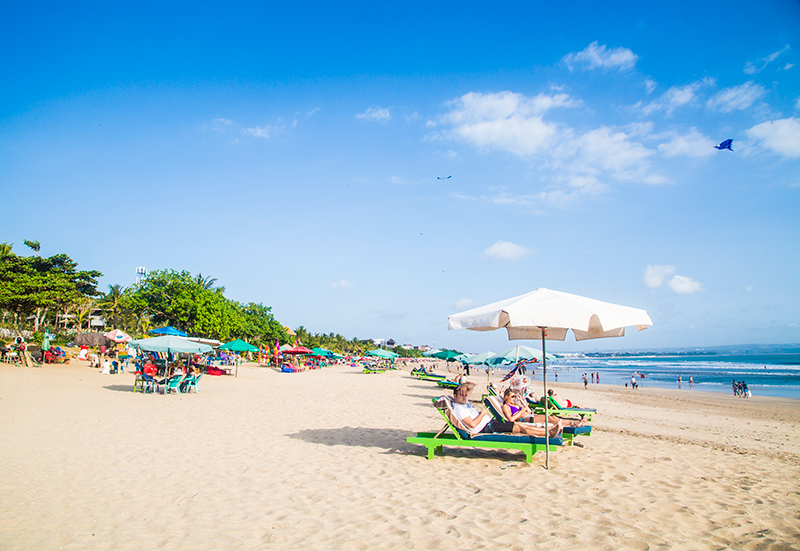 Crystal Phuong- Singapore Travel Blog- Beautiful Seminyak Beach