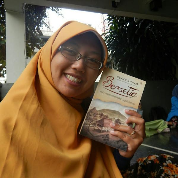 Perempuan Teh dan Fotografer Penyuka Kopi, Review Novel Bersetia Benny Arnas