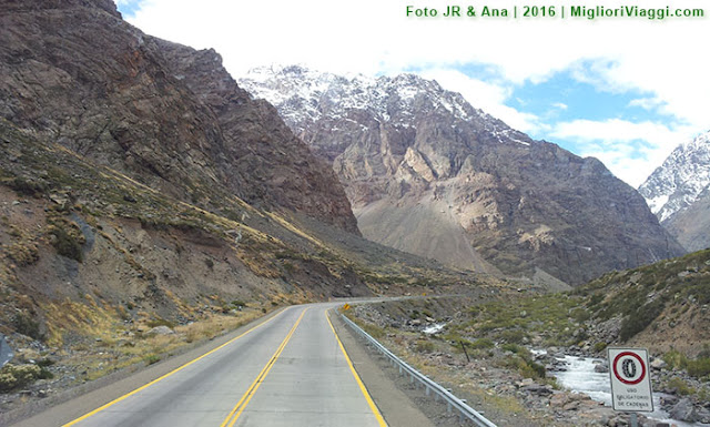 Cenários fantásticos de beleza natural da viagem Santiago a Mendoza